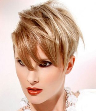 New-trends-in-hair-color-stylish-with-cutting-of-short-hair-image-4