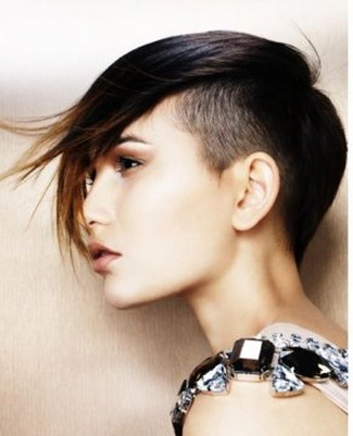 New-trends-in-hair-color-stylish-with-cutting-of-short-hair-image-7
