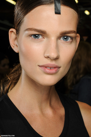 Alexander-Wang-new-trends-fashion-with-tips-beauty-makeup-photo-6