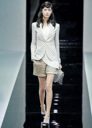 Emporio-Armani-new-collection-fashion-dresses-spring-summer-picture-10