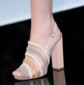 Emporio-Armani-new-collection-fashion-dresses-spring-summer-picture-2