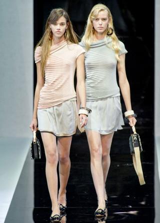 Emporio-Armani-new-collection-fashion-dresses-spring-summer-picture-3