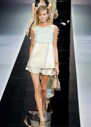 Emporio-Armani-new-collection-fashion-dresses-spring-summer-picture-4