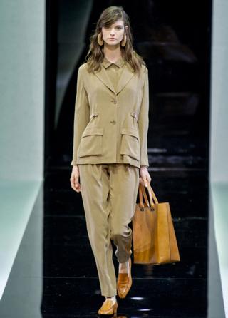 Emporio-Armani-new-collection-fashion-dresses-spring-summer-picture-6
