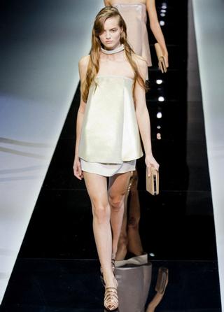 Emporio-Armani-new-collection-fashion-dresses-spring-summer-picture-8