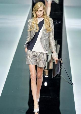 Emporio-Armani-new-collection-fashion-dresses-spring-summer-picture-9