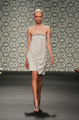 Iceberg-fashion-new-collection-spring-summer-dresses-trends-picture-3