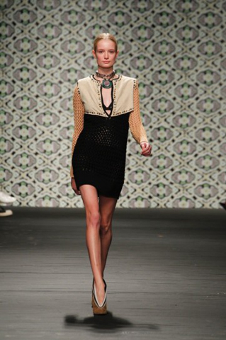 Iceberg-fashion-new-collection-spring-summer-dresses-trends-picture-4