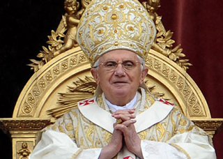 The-Pope-resigns-from-the-papacy-that-the-original-statement-2