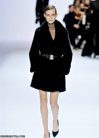 Akris-dresses-new-collection-fashion-fall-winter-accessories-furs