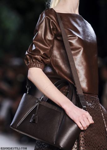 Akris-fashion-brand-designer-trends-clothing-accessories-shoulder-purses