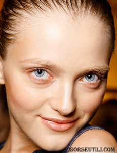 Akris-new-trends-fashion-tips-beauty-with-makeup-look-face