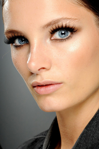 Gucci-new-trends-fashion-tips-beauty-with-makeup-for-women-photo-6