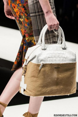 Max-Mara-fashion-brand-designer-trends-clothing-accessories-bags