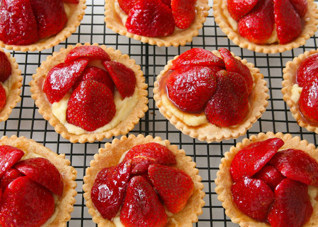 Beauty-and-wellness-with-strawberry-for-nutrition-and-health-tartlets