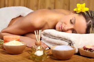 Benefits-of-aromatherapy-and-essential-oils-for-wellness-1