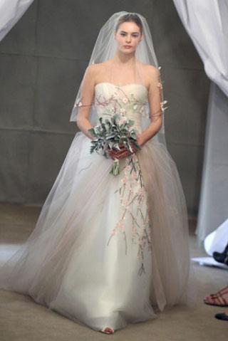 Carolina-Herrera-collection-wedding-dresses-fashion-2013-bridal-4