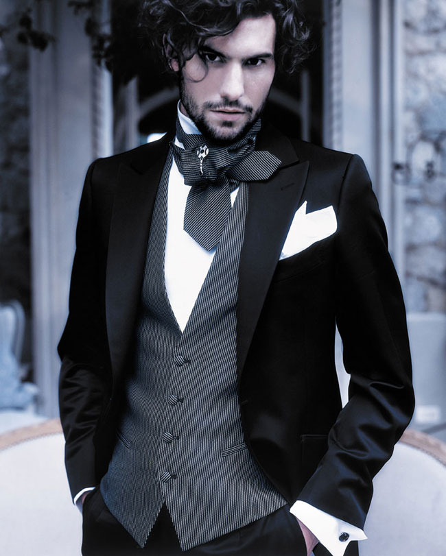 Fashion-man-with-Groom-how-to-be-stylish-on-your-wedding-day-dress