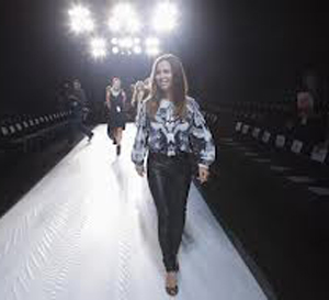 Monique-Lhuillier-new-video-fashion-show-spring-summer-2013