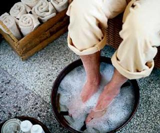 Cure-toenails-mycosis-remedies-treatments-beauty-wellness-image-4