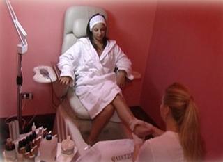 Cure-toenails-mycosis-remedies-treatments-beauty-wellness-image-5