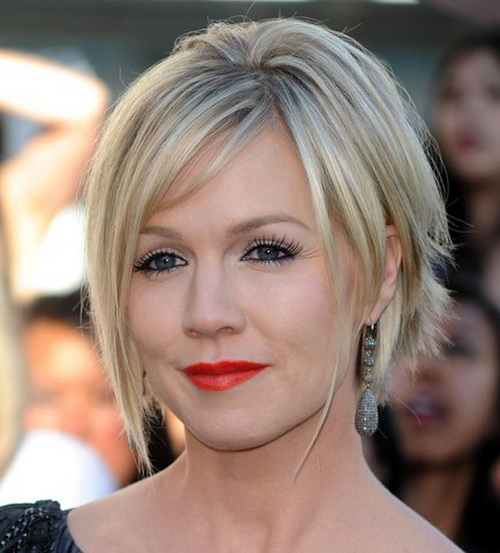 Summer-Fashion-and-Beauty-with-of-new-short-haircuts-photo-14