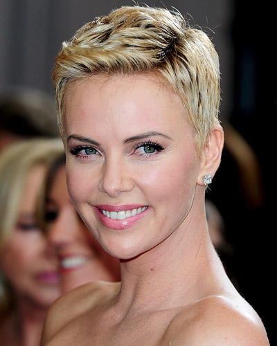 Summer-Fashion-and-Beauty-with-of-new-short-haircuts-photo-8