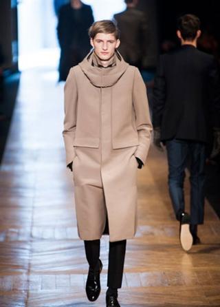 Cerruti-coats-fall-winter-2014-collection-in-shop-windows-fashion