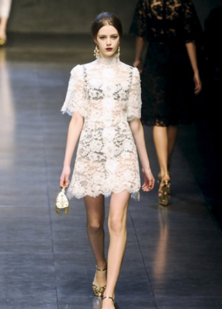 Dolce--Gabbana-dresses-in-shop-windows-fashion-collection-fall-winter