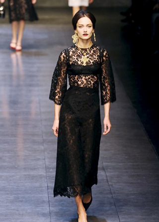 Dolce--Gabbana-fall-winter-2013-2014-in-shop-windows-fashion