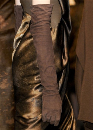 Donna-Karan-lifestyle-trends-accessories-gloves-fall-winter-look-2014