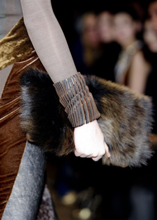 Donna-Karan-lifestyle-trends-bags-in-shop-fall-winter-look-2014
