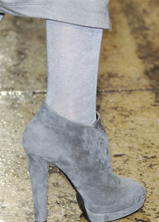 Donna-Karan-lifestyle-trends-shoes-fall-winter-catalog-fashion-2014