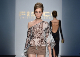 Fisico-Cristina-Ferrari-video-fashion-shows-spring-summer-2013