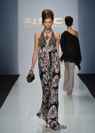 Fisico-handbags-in-shops-windows-fashion-collection-spring-summer-2013