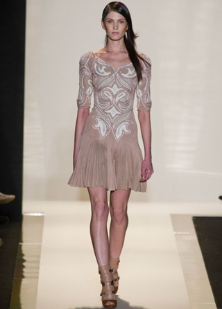 Herve-Leger-dresses-in-shop-windows-fashion-collection-spring-summer