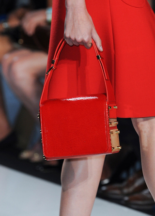 Michael-Kors-handbags-in-shop-windows-fashion-collection-spring-summer