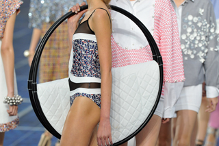 News-Chanel-lifestyle-fashion-trends-clothing-spring-summer-bags