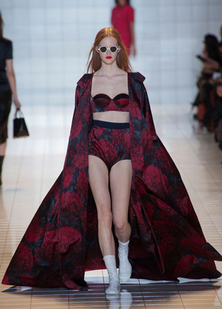 Rochas-fashion-showcases-collection-spring-summer