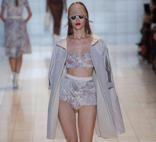 Rochas-trends-in-shop-windows-fashion-collection-spring-summer