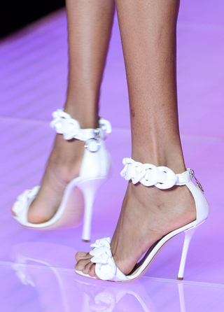 Versus-fashion-leather-shoes-accessories-spring-summer