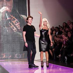 Versus-new-video-fashion-show-spring-summer-2013-women