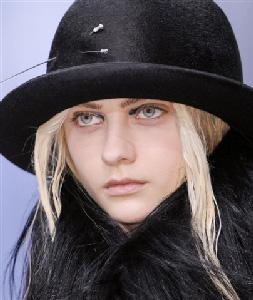 Ann-Demeulemeester-in-shops-fashion-trends-for-women-fall-winter-2014