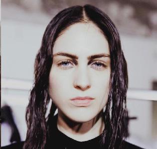 Ann-Demeulemeester-new-video-fashion-show-fall-winter-2013-2014-women