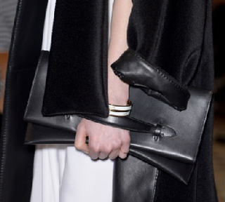 Hermes-in-shops-fashion-trends-for-women-fall-winter