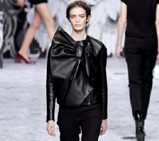 Viktor--Rolf-in-shops-fashion-trends-for-women-fall-winter-2014