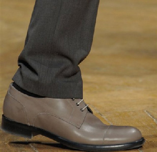 Viktor--Rolf-lifestyle-trends-new-collection-fall-winter-shoes-2014