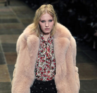 Yves-Saint-Laurent-new-video-fashion-show-fall-winter-2013-2014-collection