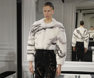 Lifestyle look Balenciaga fall winter 2013 2014 trends fashion women