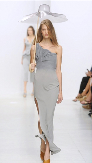 Dresses Chalayan spring summer 2014 womenswear